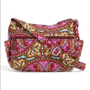 VERA BRADLEY On The Go Resort Medallion